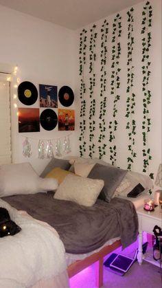 Neon Bedroom, Room Design Bedroom, Room Ideas Bedroom, Small Room Bedroom, Bedroom Inspo, Chill Room, Cozy Room, Pinterest Room Decor, Bedroom Decor For Teen Girls