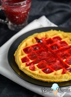 This Cornbread Waffle pairs perfectly with my Cranberry Syrup recipe! THM:E, low fat, sugar free, gluten/nut free with dairy free suggestion Trim Healthy Recipes, Brunch Recipes, Gluten Free Recipes, Low Carb Recipes, Breakfast Recipes, Cornbread Waffles, Pancakes And Waffles, Cranberry Syrup Recipe, Low Fat Breakfast