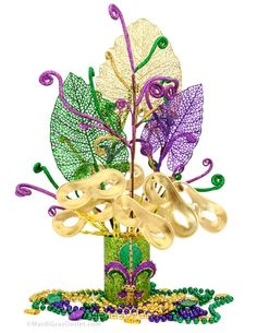 Party Ideas by Mardi Gras Outlet: Masquerade Mask Favor Centerpiece: Tutorial