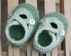 """""""These bootees are based on a pattern from Marie-Claire Idées (Summer 2004) with modifications by Saartje. She offers her version of this pattern in English and Dutch on her blog. We have a rewritten version (in """"American"""") available"""" on the Nine Rubies site.  Very cute"""
