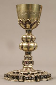 chalice, very classy, write century, but early, wrong local, but area a merchant would travel too, same base as the cups I have.. same shot glass idea, matching set., maybe