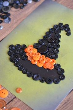 Witch Hat Button Craft Witch Hat Button Craft,halloween party Need a seasonal craft to keep the kids happily busy? This witch hat button craft… Related posts:organicbasics Nude Bra Organic Bra from organicbasics. Crafts For Boys, Halloween Crafts For Kids, Halloween Art, Fall Crafts, Decor Crafts, Holiday Crafts, Halloween Decorations, Button Crafts For Kids, Diy Crafts