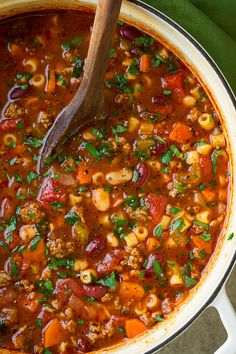 Pasta Fagioli Soup {Better than Olive Garden's!} - Cooking Classy - - Pasta Fagioli Soup {Better than Olive Garden's! Olive Garden Pasta e Fagioli Soup Copycat Recipe – Cooking Classy Pasta E Fagioli, Pasta Fagoli Soup, Pasta Soup, Pasta Fagioli Crockpot, Crock Pot Recipes, Cooking Recipes, Healthy Recipes, Healthy Soup, Chicken Recipes