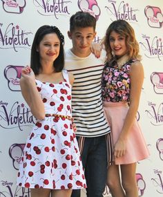 Violetta,Federico and Francesca Disney Channel, Violetta And Leon, Disney Shows, How To Be Likeable, Camilla, Bff, Tv Shows, It Cast, Fandoms