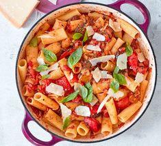 Caponata pasta Vegetarian Recipes Bbc, Quick Vegetarian Meals, Vegan Recipes Videos, Bbc Good Food Recipes, Vegan Dinner Recipes, Vegan Breakfast Recipes, Vegan Recipes Easy, Quick Easy Meals, Pasta Recipes