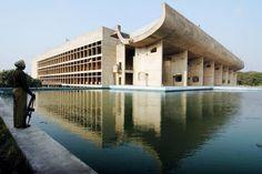 Zien. De 17 Le Corbusiers die Werelderfgoed werden - De Standaard: http://www.standaard.be/cnt/dmf20160720_02392992?_section=61111009