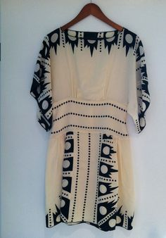 Gorgeous ANNA SUI Art Deco Cream & Black MAYLE DRESS sz. 6