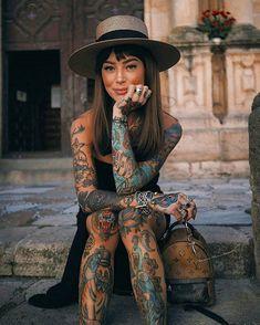 wenn es in schwarz kommt; Ich bekomme es in schwarz🦇 [alt caption; Houses of the Holy] . - wenn es in schwarz kommt; Ich bekomme es in schwarz [alt caption; Houses of the Holy]. Tattoed Women, Tattoed Girls, Inked Girls, Hot Tattoo Girls, Sexy Tattoos For Girls, Tattoos For Women, Hot Tattoos, Body Art Tattoos, Girl Tattoos