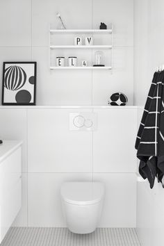 5 Modern Small Bathroom Trends for 2020 Bathroom Spa, Bathroom Toilets, Bathroom Renos, Laundry In Bathroom, White Bathroom, Bathroom Interior, Small Bathroom Renovations, Bathroom Design Small, Bathroom Inspiration