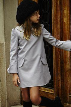 Colección otoño-invierno 2014 de la firma de #moda infantil #pepitobychus… Little Girl Fashion, Little Girl Dresses, Little Girls, Kids Fashion, Stylish Toddler Girl, Stylish Kids, Baby Outfits, Moda Retro, Kid Styles