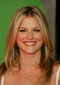 Sweet thrill of Ali Larter ...  Hot Babe...   The magazine, which billed Coleman as the movies' next dream girl, told of Allegra's relationship with David Schwimmer, how Quentin Tarantino broke up with Mira Sorvino to date her, and how Woody Allen overhauled a film to give her a starring role.