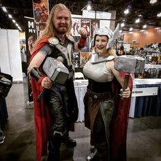 #happy #thorsday  glad I got to see other #awesome #thor #costumes and #cosplayers #marvel #marvelcosplay #thorcosplay #ladythor #ladythorcosplay #mjilnor #fanfest #fanfest2017 #cosplaylife