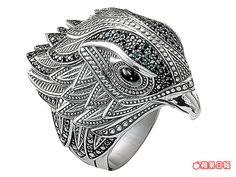 黑色瑪瑙鑲嵌的老鷹戒指。 1萬9100元