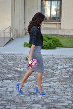 High waist skirt with a cropped blazer for this curvy look Gray Skirt, Gray Dress, Grey Outfit, Looks Style, Style Me, Cropped Blazer, Professional Attire, Work Fashion, Street Fashion