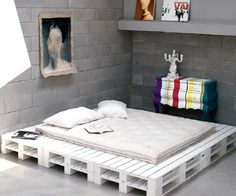 11-DIY-pallet-white-platform-bed-striped-bombe-chest