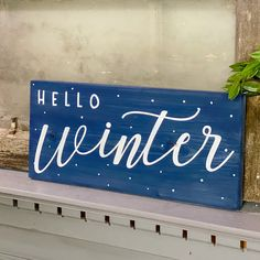 Winter Home Decor, Winter House, Winter Wood Crafts, Rustic Winter Decor, Hello Winter, Farmhouse Christmas Decor, Porch Decorating, Decorating For Winter, Seasonal Decor