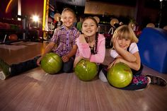 Take your kids bowling at these family-friendly bowling alleys in NYC! Enjoy special bowling hours, kid-friendly amenities and even arcades. Indoor Activities For Kids, Autumn Activities, After School, School Fun, Family Friendly Resorts, Nyc With Kids, Kids Things To Do, Kids Shows, Kids Events