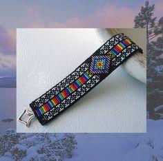 Help For loom patterns Bead Loom Designs, Beadwork Designs, Bead Loom Patterns, Beading Patterns, Bead Loom Bracelets, Beaded Bracelet Patterns, Native Beadwork, Powwow Beadwork, Tear