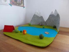 Mountain adventures playscape speelkleed met tent en kampvuur