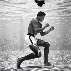 Muhammad Ali was one of the most controversial American athletes in world history. Muhammad Ali quotes might be just as famous as him. Muhammad Ali Quotes, Muhammad Ali Boxing, Citation Mohamed Ali, Boxe Fight, Kentucky, Foto Sport, Fashion Fotografie, Poster Print, Float Like A Butterfly