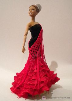 De Rojo y Negro Crochet Wedding Dress Pattern, Crochet Wedding Dresses, Wedding Dress Patterns, Barbie Gowns, Barbie Dress, Crochet Barbie Clothes, Crochet Dolls, African Wedding Dress, Barbie Doll House