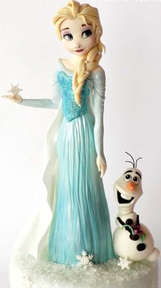 Elsa and Olaf Frozen Cake