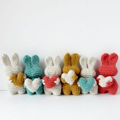 Valentine or Easter bunny?This lovely little heart bunnypatternis so cute and addictive, you cannot stop making them at one! Makes me wonder: how many rabbits will you make in a week? Thispatternis freaking awesome!