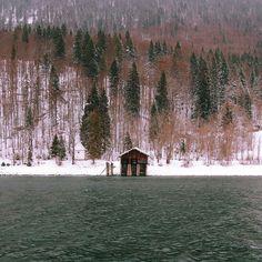 «Walchensee boathouse with @aracaera and @jannikobenhoff ⛵️»