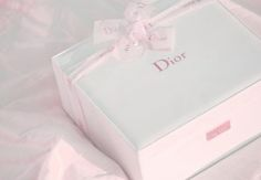 Pink Dior Present