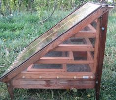 solar dehydrator: bet we could make this with recycled materials from the farm or  the Re-Store.