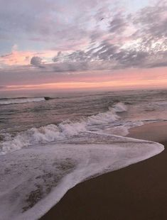 inspiration of ocean ,-* 인스타 감성사진 Nature Aesthetic, Beach Aesthetic, Summer Aesthetic, Aesthetic Girl, Ocean Wallpaper, Pretty Sky, Aesthetic Pictures, Picture Wall, Beautiful World