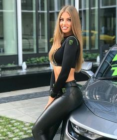 Monster Energy Girls, Promo Girls, Looks Pinterest, Grid Girls, Leather Dresses, Girls Jeans, Leggings Fashion, Sexy Outfits, Motorcycle Girls