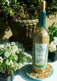 {DIY Recycled Wine Bottle Bird Feeder!}