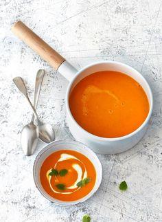 Kürbis-Tomaten-Suppe mit Orangenquark Rezept - [ESSEN UND TRINKEN]