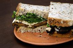 Doscucharadas» Dos cucharadas » Sandwich de portobellos y rúcula