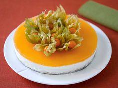 Geléostekake med bunn av malte mandler og sukkerfritt gelélokk. En klassisker på festbordet! Kaken kan lagesmed flere typer lettgeleer. Den kan også lagesmed fun light og gelatinplater, ogmed hj…