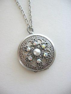 SALE Snowflake Locket, Silver Locket, Antique Locket, Art Nouveau Jewelry, Snow, Winter, Snowflakes, Snowflake Jewelry