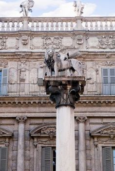 Verona è una città del Nord Italia che offre in Shakespeare