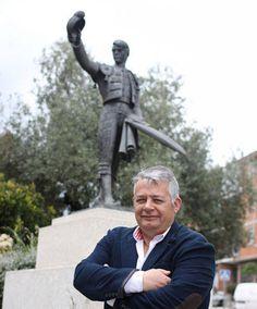 La justicia sienta en el banquillo al primer alcalde del PP de la era Cifuentes