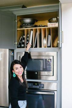 Kitchen Pantry Design, Diy Kitchen Storage, Kitchen Cabinet Organization, Modern Kitchen Design, Home Decor Kitchen, New Kitchen, Kitchen Ideas, Organization Ideas, Smart Kitchen