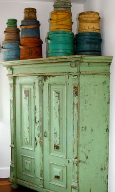 Think Green | 25 Beautiful Furniture Makeovers - Salvaged InspirationsbehancebloglovindribbbleemailfacebookflickrgithubgplusinstagramlinkedinmediumperiscopephonepinterestrsssnapchatstumbleupontumblrtwittervimeoxingyoutubeEmailFacebookGoogle+PinterestTwitterEmailFacebookGoogle+PinterestTwitter