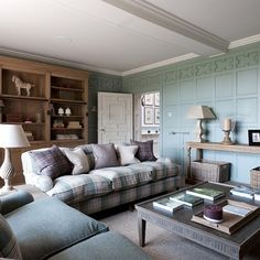 Cotswold Manor Drawing Room - Style File: Emma Sims Hilditch | Interior Design Inspiration (houseandgarden.co.uk)
