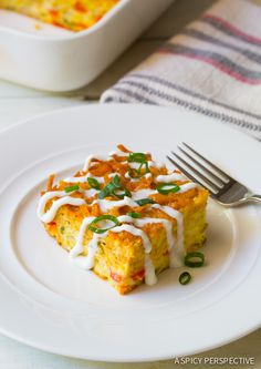 Love this Mexican Breakfast Casserole with Crispy Hash Brown Top! #breakfast #casserole