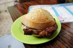 (2)澳門氹仔。大利來記咖啡室~豬扒包這裡最有名