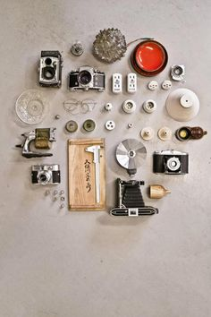 Taiwan-based design firm Y Studio has taken old, defunct cameras and reused them as lampshades in a series of upcycled lighting called Reborn. Best Cheap Digital Camera, Vintage Cameras, Car Cleaning, Design Firms, Lamp Design, Lamp Light, Repurposed, Furniture Design, Projects To Try