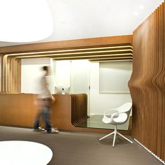 Image 9 of 24 from gallery of ORL Clinic / Mal-Vi Architects. Photograph by Giorgo Papadopoulos Clinic Interior Design, Clinic Design, Medical Design, Commercial Architecture, Interior Architecture, Hospital Architecture, Modern Office Table, Interior Minimalista, Minimalism