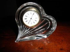 Vintage-Crystal-Heart-shaped-time-piece-Hand-Cut-made-in-Czech