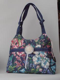Virágmintás pamutvászon nõi táska, levehetõ organza kitûzõvel