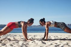 This bodyweight Tabata HIIT workout from trainer Charlee Atkins is designed to give you a super efficient sweat session for your busiest vacation days. Beach Workouts, Tabata Workouts, At Home Workouts, Workout On The Beach, Fitness Tips, Fitness Models, Fitness Works, Conditioning Training, Hiit Session