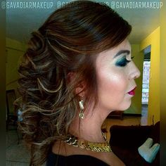 Ese iluminador resalta como debe ser!!! Semirecogido y rulos! El color y las mechas también #hechopormi  gavadiarmakeup@gmail.com✉ . #makeup #maquillajeprofesional #maquillaje #maquillajedenovia #maquillajedeldia #bridesmaid #bridesmaidsmakeup  #maquillajecaracas #makeupcaracas #maquillajeccs #makeupccs #modeloccs #mujerlatina #mujervenezolana #peinadodenovia #peinados #hair #hairdo #halfuphalfdown #hairandmakeup #maquillajeadomicilio #makeupoftheday #makeupobssesed #makeupmafia #wedding…